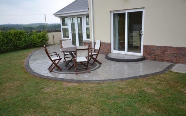 Terrys back garden 2
